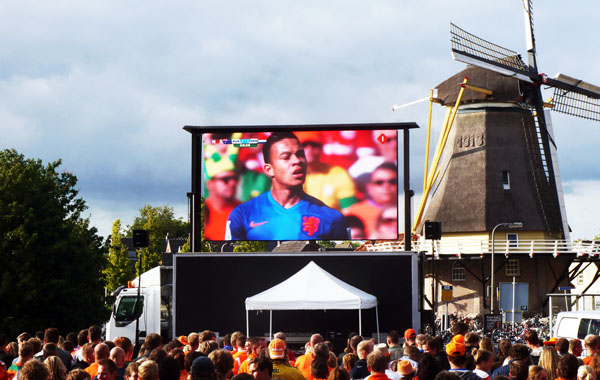 groot scherm verhuur tijdens wk voetbal - overijssel, utrecht, gelderland, salland, twente