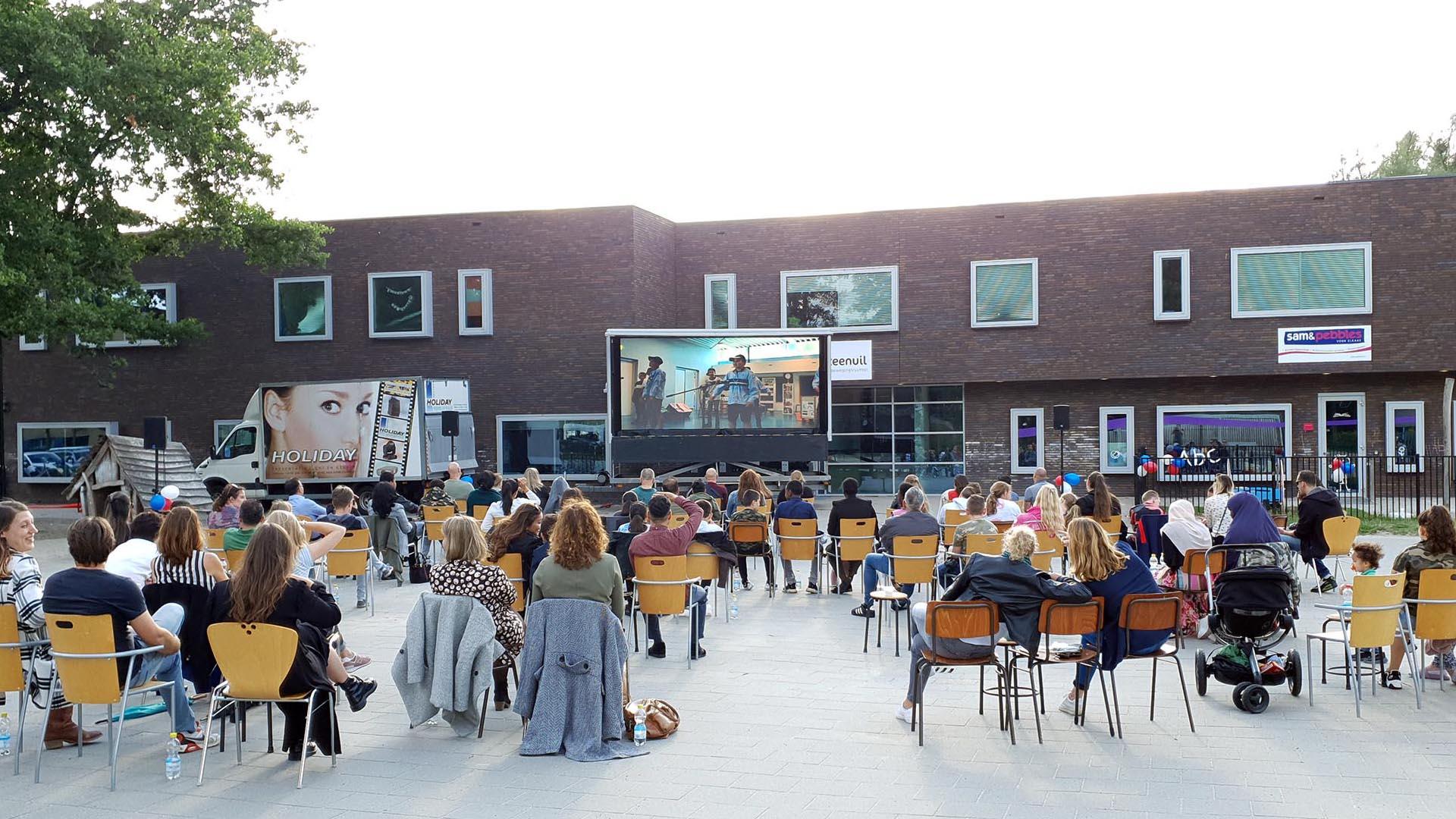 LED Scherm + Geluid in Deventer | Openluchtbioscoop, Eindmusical Groep 8