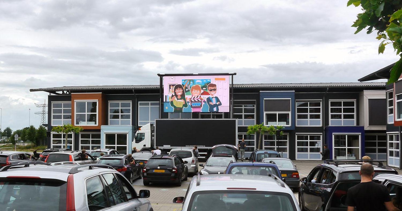drive in bioscoop - eindmusical op groot scherm