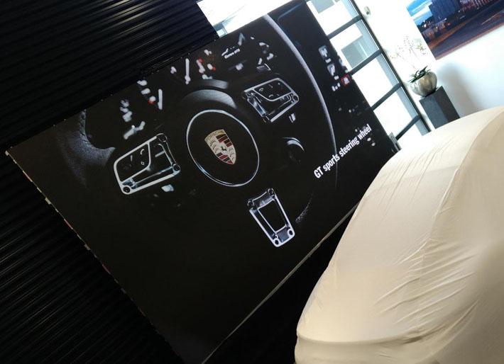 led scherm tijdens product presentatie in twente